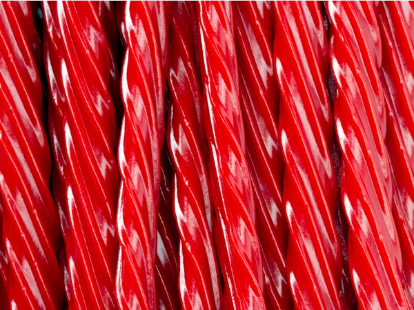 twizzlers-cherry-licorice-twists-ff-131429-w